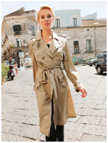 trenchcoat-in-beige