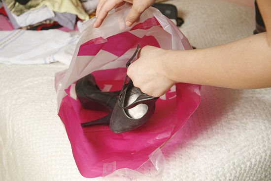 schoenen in plastiek zak