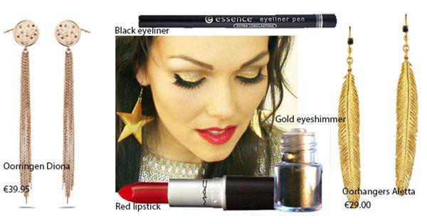 Red-lips-en-gouden-hangers
